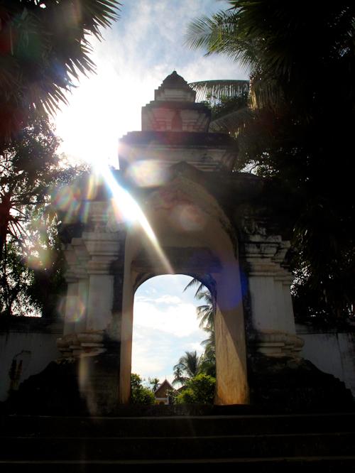 Journeys-at-Laos-by-fsraffetto-05-Luang-Prabang